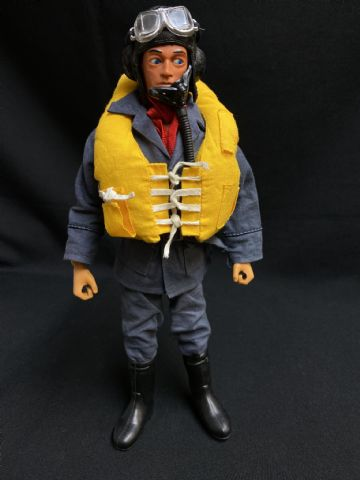 ACTION MAN - BATTLE OF BRITAIN PILOT - BROWN EAGLE EYE FIGURE (ref 5)